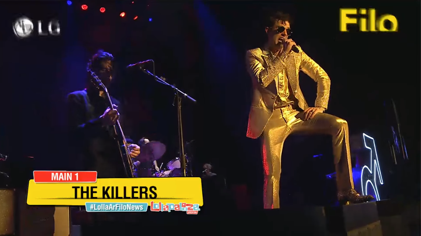 El traje dorado de Brandon Flowers